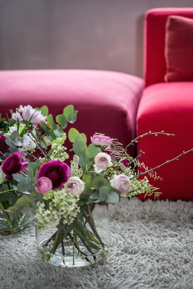 blomster-og-sofa